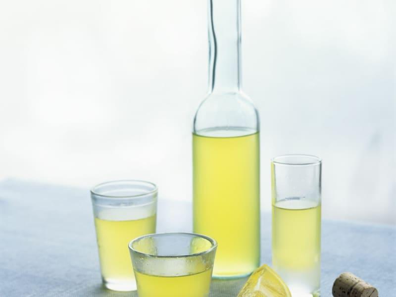 Limoncello: den italienischen Zitronenlikör selber zubereiten