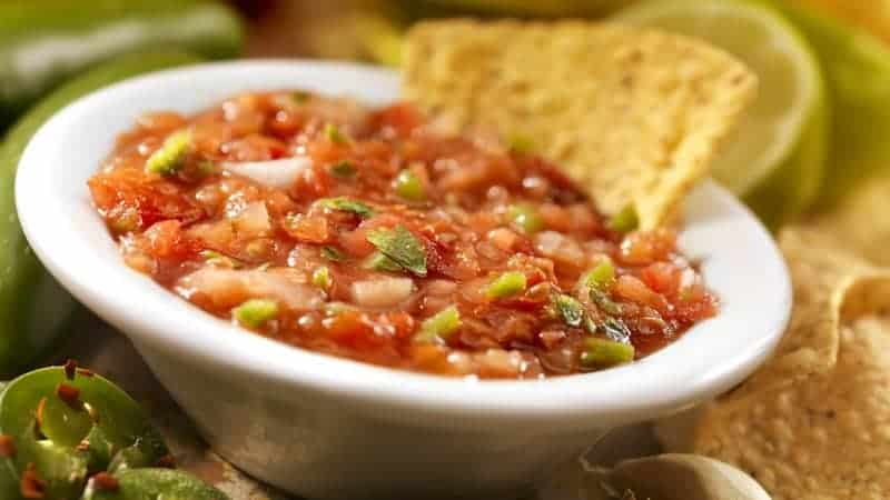 Dips Rezepte: leckere Idee für scharfe Salsa Sauce