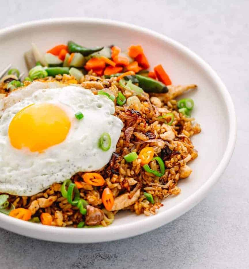 Nasi Goreng: indonesisches Gericht in 20 Min.