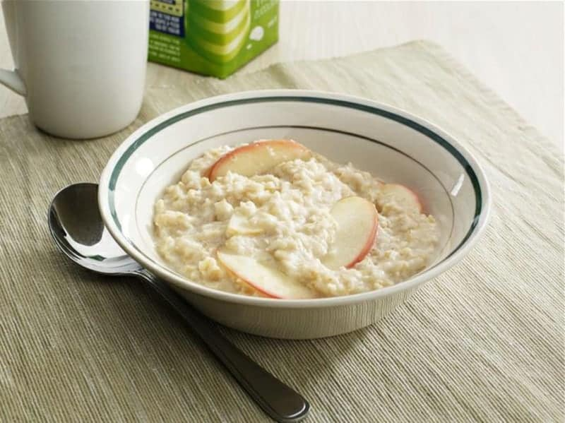 Porridge Rezept mit Apfel, Rahm und Zimt: lecker & aromatisch