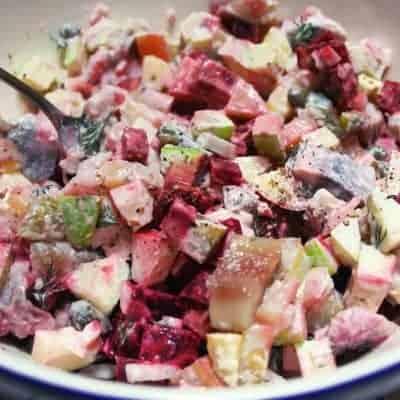 Matjes Salat mit Kartoffeln und Rote Bete