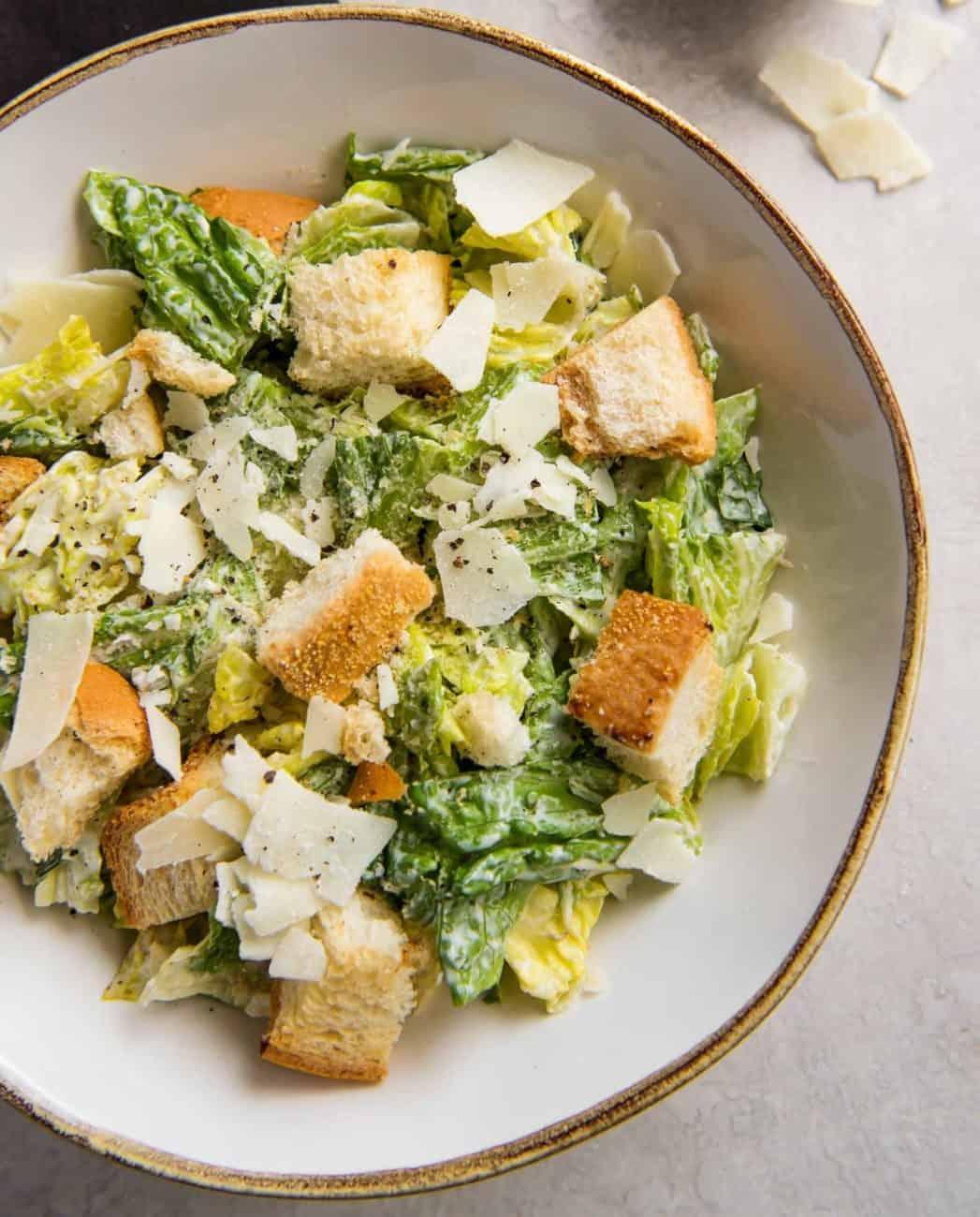 Caesar Salad, wer kennt diese Köstlichkeit nicht?