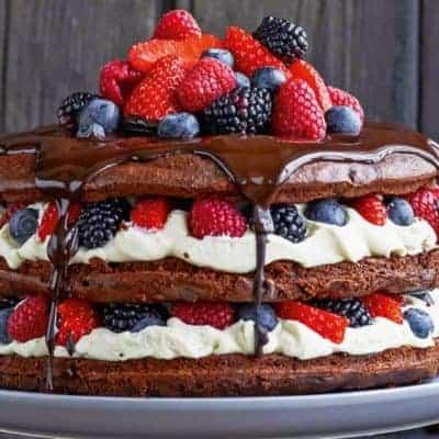 Naked Cake mit Beeren selber machen