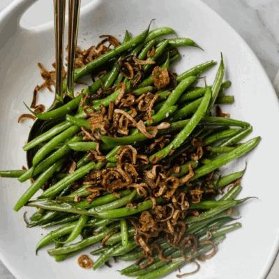 Grüne Bohnen mit karamellisierten Schalotten und Knoblauch