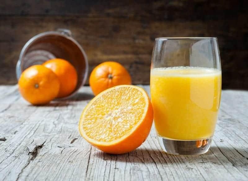 Orangensaft frisch ausgepresst