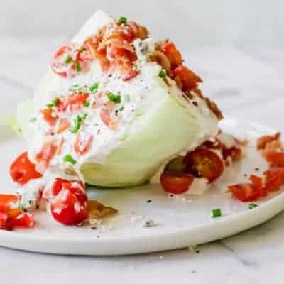 Eisbergsalat, Keilsalat mit Tomaten und Speck