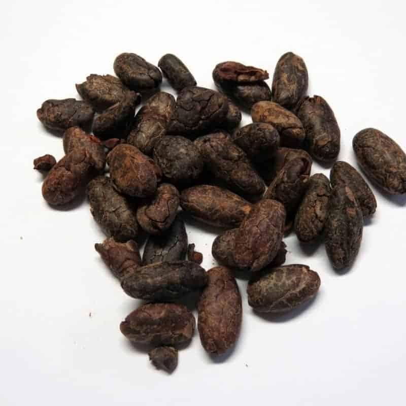 ganze Kakaobohnen