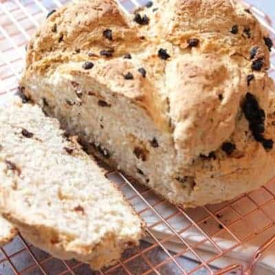 Brot mit Korinthen