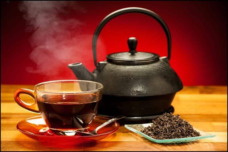 schwarzer Tee zubereiten
