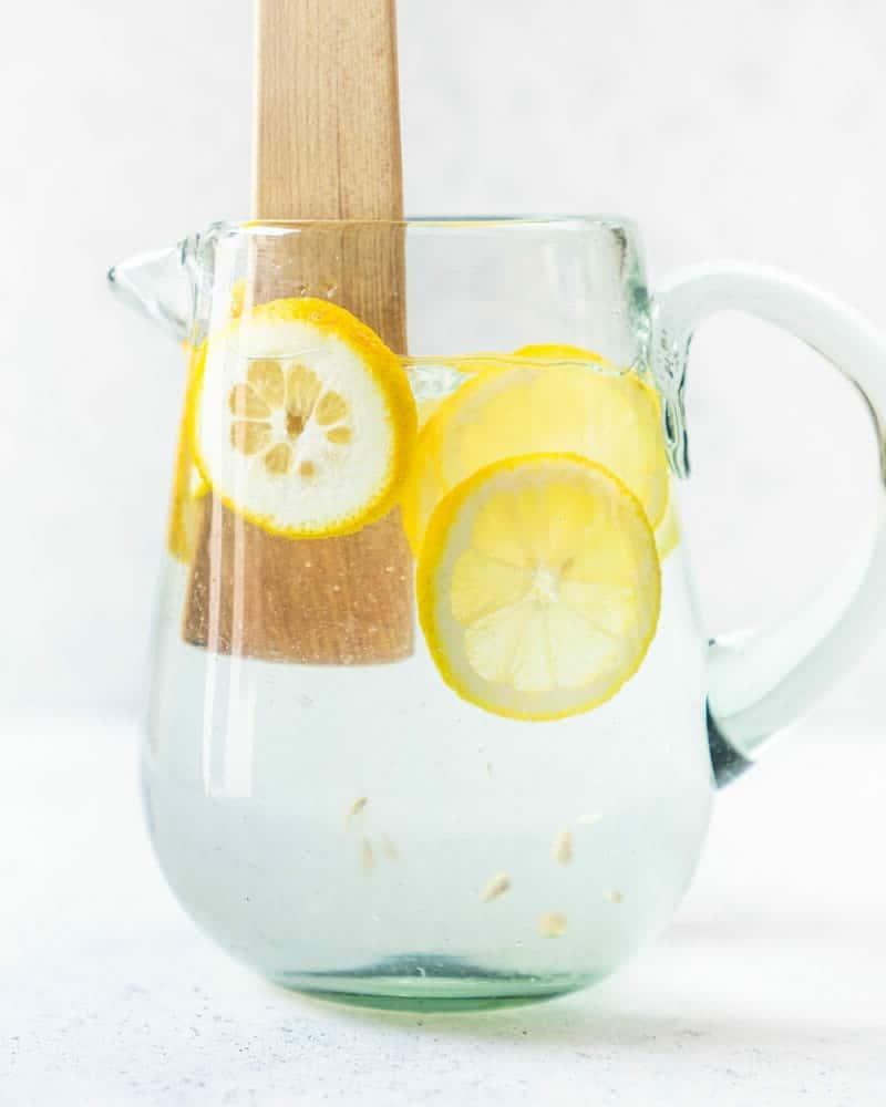 Zitronenwasser selber machen