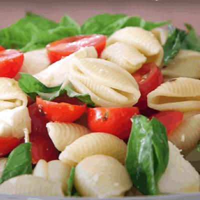 Tomate Mozzarella Nudelsalat