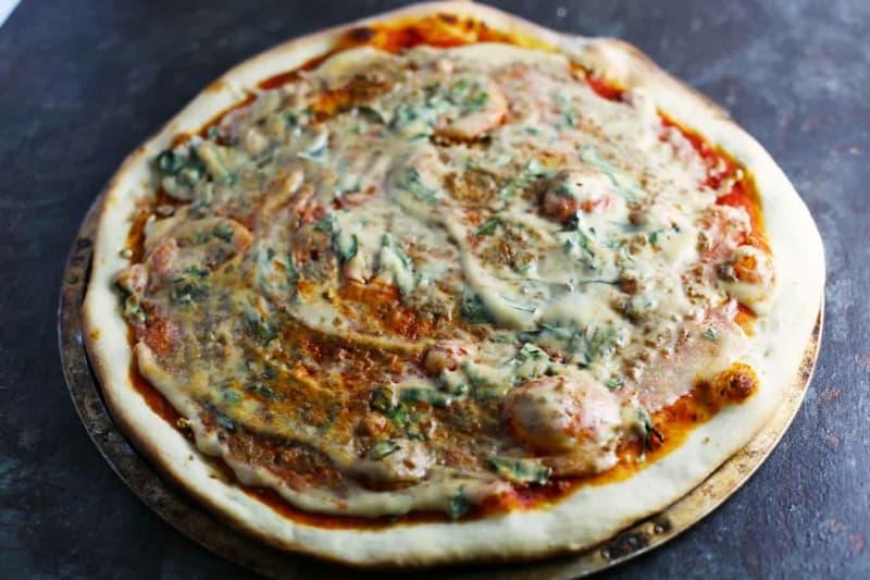 Pizza Margherita mal vegan: 6 unglaublich leckere Portionen!