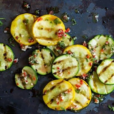 Salat zum Grillen mit Zucchini